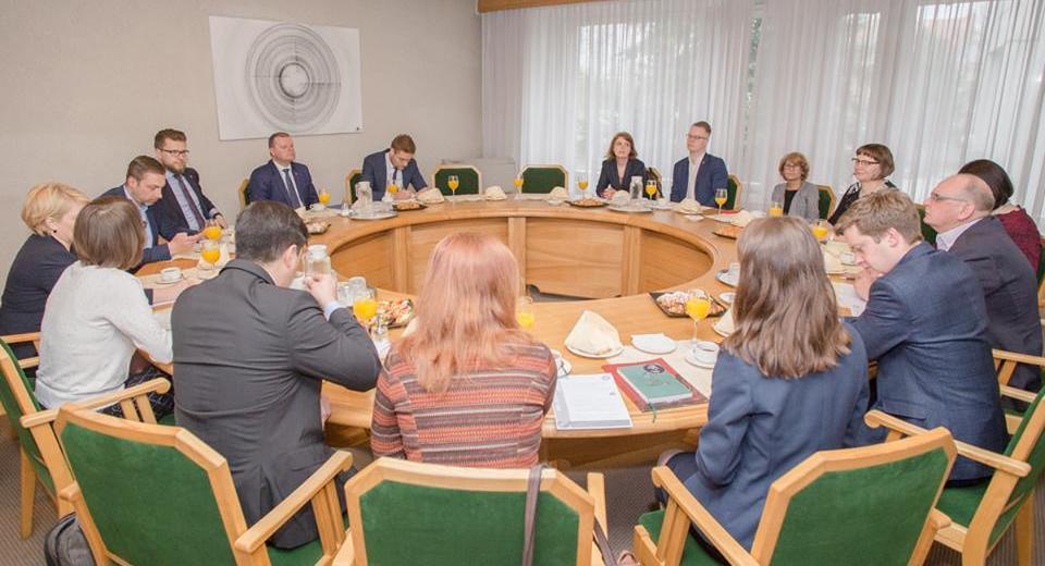 LR Ministras pirmininkas pritarė NVO fondo įkūrimui